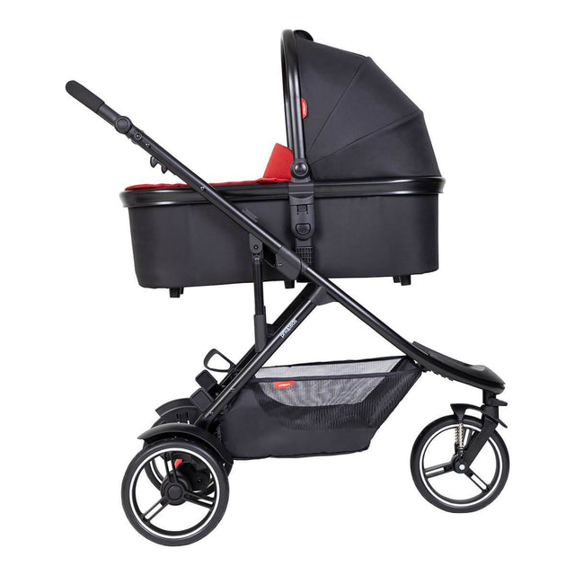 phil&teds dot inline buggy with snug carrycot in lie flat mode_chilli