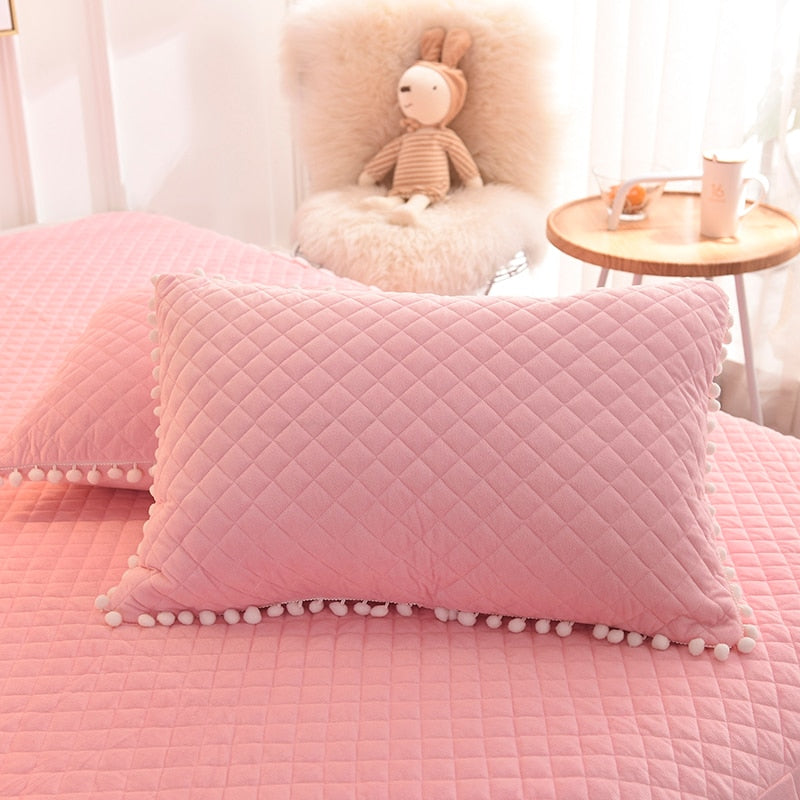 Luxury Plush Shaggy Duvet Cover Set Quilted Pompoms Fringe Ruffles Bedskirt Pillow Shams Bedding Set Twin Full Queen King 4/6PCS