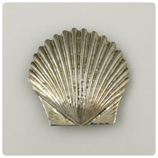 Gilded Sterling Silver Scallop Brooch, Oskar J. W. Hansen, Charlottesville, VA, Mid 20th Century - The Silver Vault of Charleston