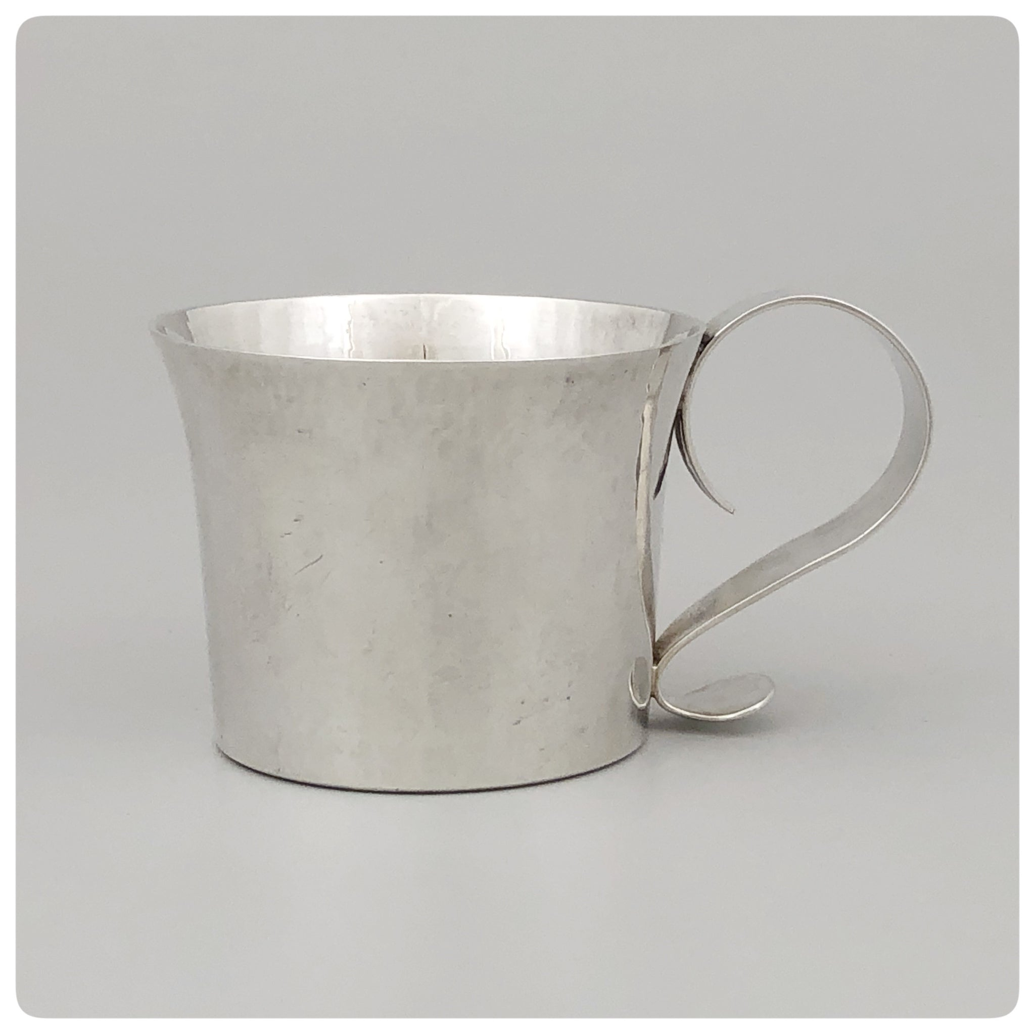 Sterling Silver Handwrought Baby Cup, William L. deMatteo, Willimasburg, VA, 1923-1988 - The Silver Vault of Charleston