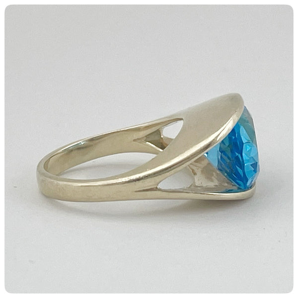 14KT Gold and Oval Swiss Blue Topaz Ring, 20th Century
