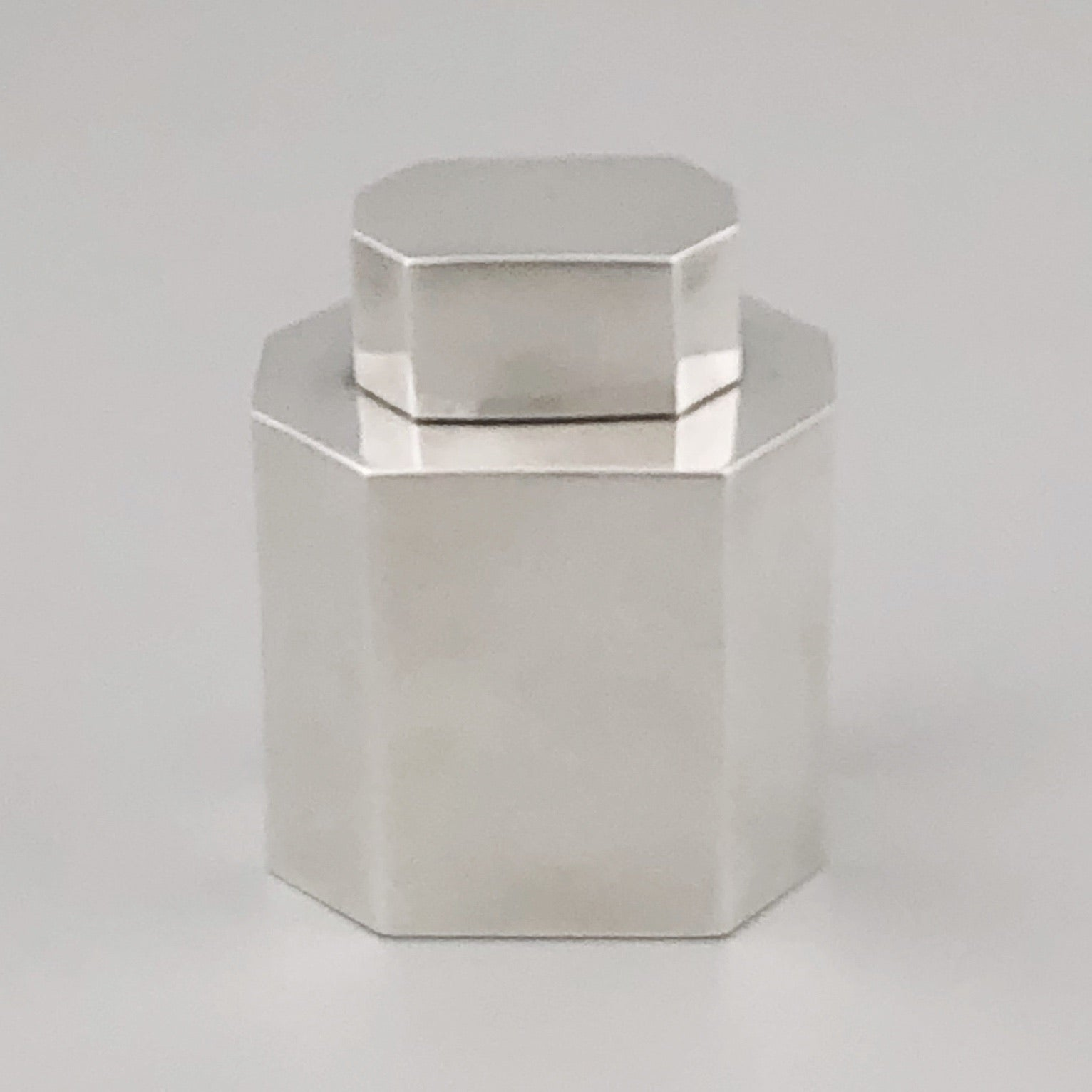 Sterling Silver Tea Canister / Caddy with Paneled Body, Gorham Manufacturing Company, Providence, RI, 20th Century - The Silver Vault of Charleston