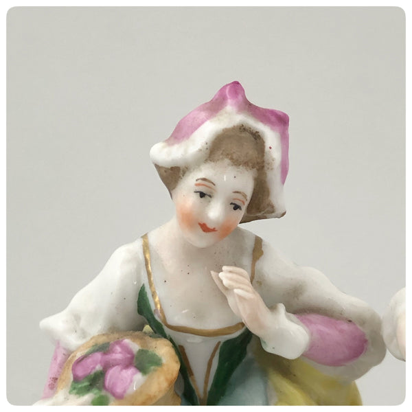 German Porcelain Figurine of a Lady and Gentleman, Porzellanfabrik Alfred Voight A. G., Sitzendorf, Early 20th Century - The Silver Vault of Charleston