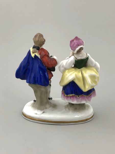 German Porcelain Figurine of a Lady and Gentleman, Porzellanfabrik Alfred Voight A. G., Sitzendorf, Early 20th Century - The Silver Vault of
