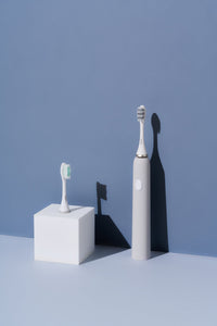 Mooi Electric Toothbrush Bundle (Cool Grey)