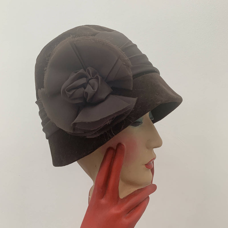 Vintage brown velvet flower bucket hat