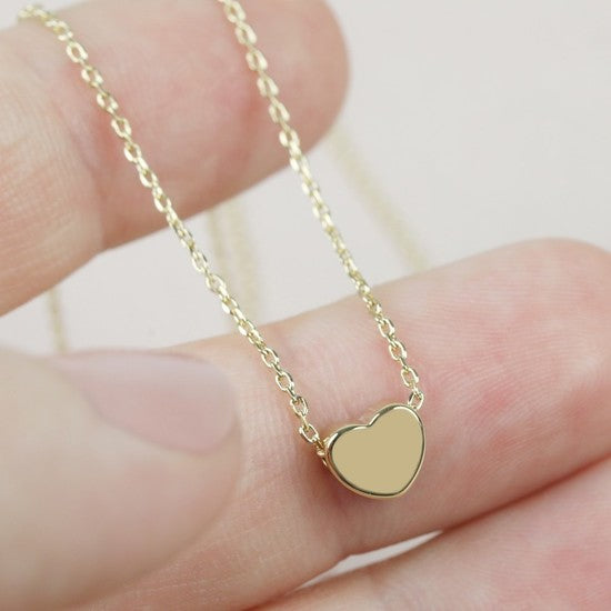Short gold heart necklace