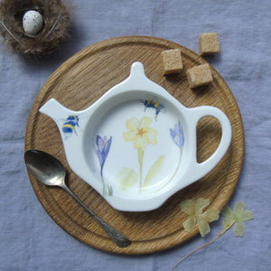 Bee and Primrose Teabag Tidy