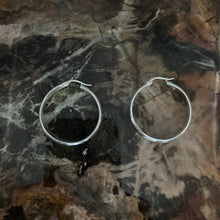 Load image into Gallery viewer, Classic Sterling Silver Hoop Earrings