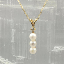 Load image into Gallery viewer, Freshwater Pearl Necklace