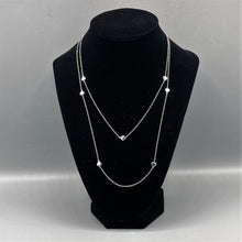 Load image into Gallery viewer, Heart Station Necklace