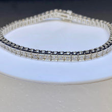 Load image into Gallery viewer, 14K White Gold 2cttw Diamond Tennis Bracelet