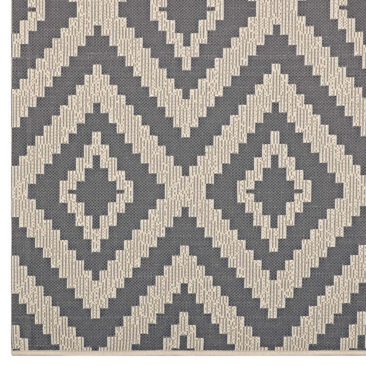 Jasmine Geometric Diamond Trellis 5x8 Indoor and Outdoor Area Rug in Gray and Beige