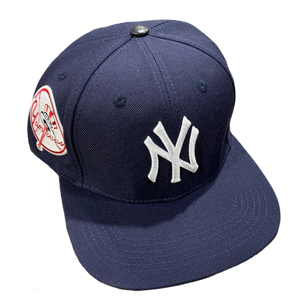 Pro Standard New York Yankees Snapback (Midnight Navy) LYN730912