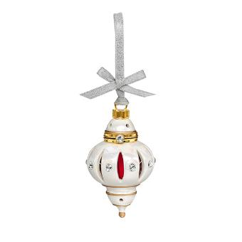 Beautiful hung from your Christmas tree or mantelpiece, it features crystals from Swarovski® and holds 1 SmartScents divided into 4 lengths. It also includes a hanging ribbon, romance card and keepsake box. It is the companion piece to the Opulent Tealight Holder.