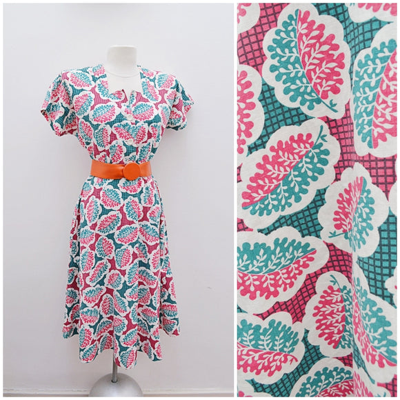 1940s Leaf print pink & green cotton day dress