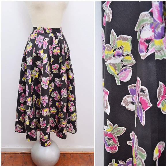 1940s Black taffeta skirt with purple yellow flower print