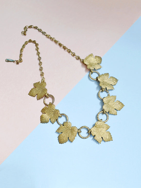 1940s Brass leaf O ring link necklace