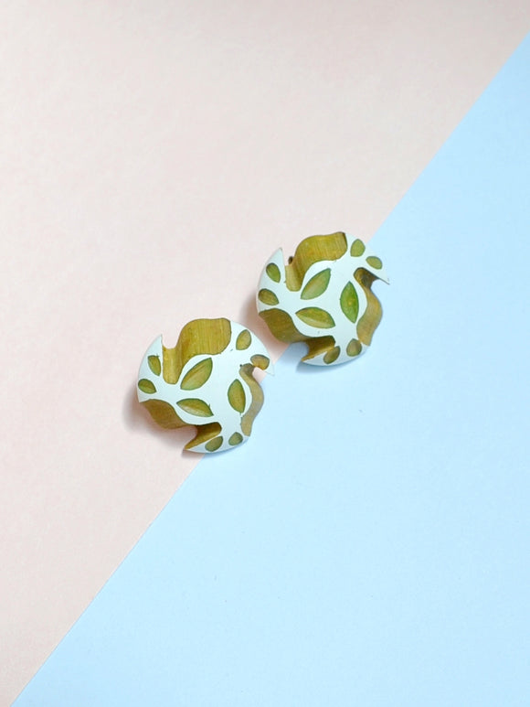 1930s Painted white carved green marbled Bakelite earrings