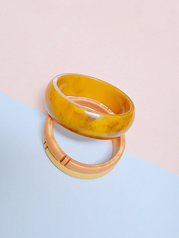 1930s Marbled peanut butter Bakelite bangle