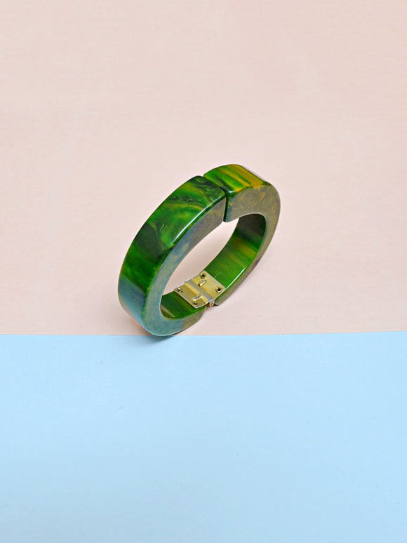 1940s Green creamed spinach marbled Bakelite clamper bangle