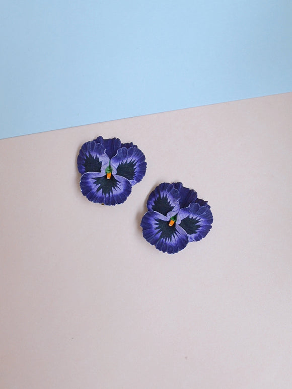 The Pansy earrings