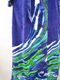 1970s 80s Blue wave border print velour towelling robe