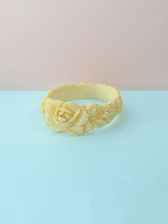 1930s Wide cream moulded floral celluloid bangle