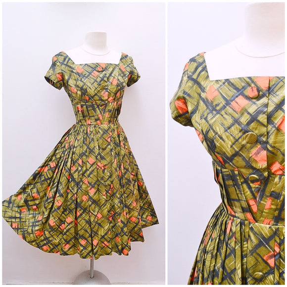 1950s Printed green & orange cotton Carnegie full skirted dress