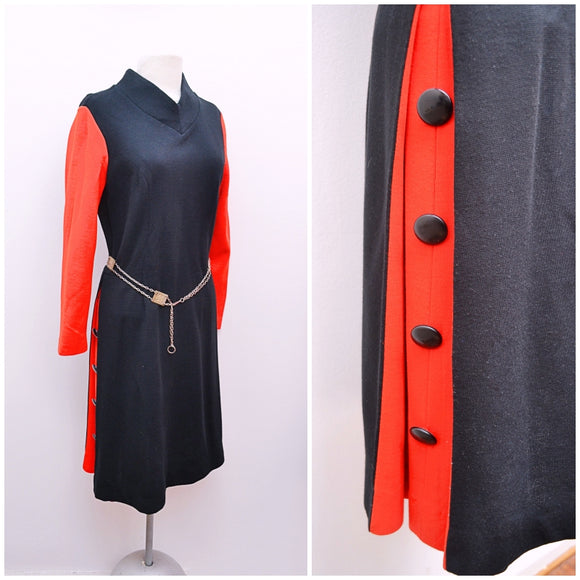 1960s Black & red jersey funnel neck dress with contrast button pleating - Medium