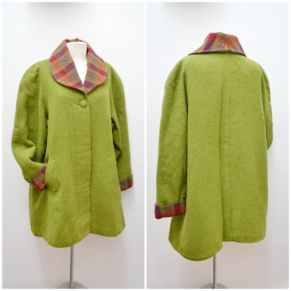 1950s Moss green wool boucle & plaid raglan sleeve coat