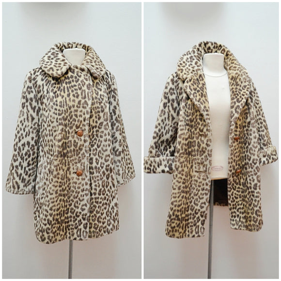 1960s Leopard print faux fur unfitted cuffed coat