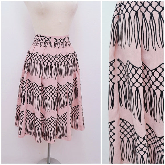 1950s Novelty tromp l'oeil macrame flocked print pink rayon skirt