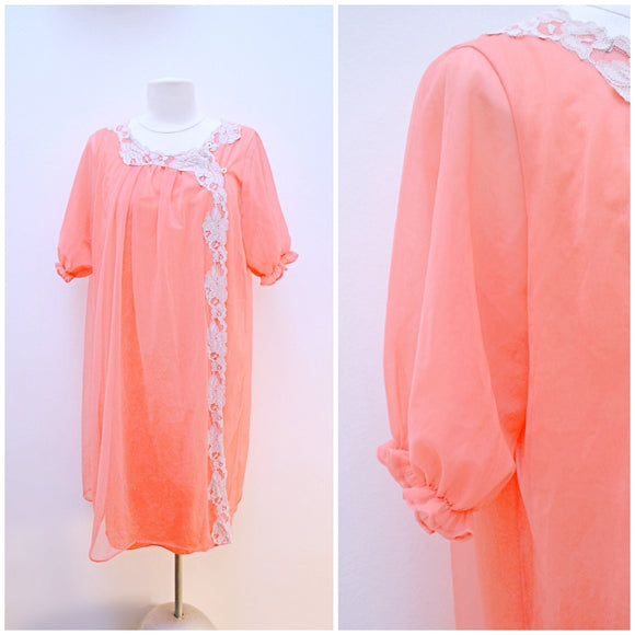 1960s Peach nylon & lace double layer puffed sleeve robe/housecoat