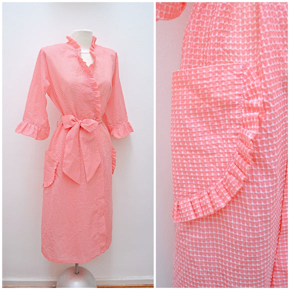 1940s Pink check nylon plisse housecoat robe