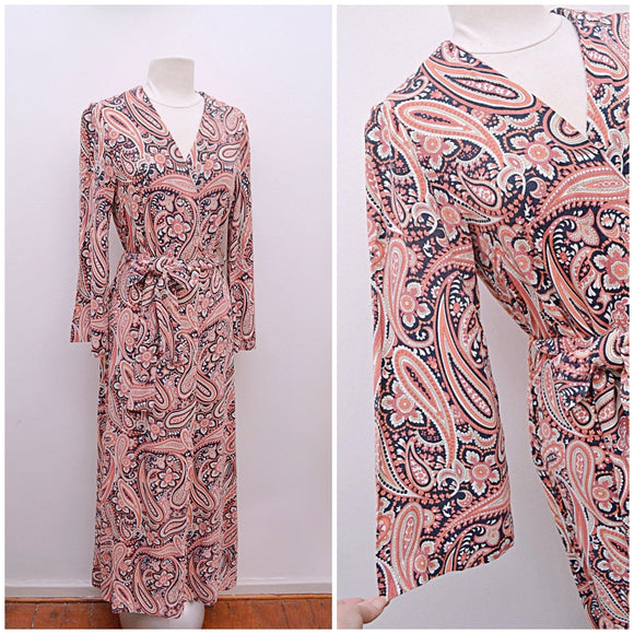1960s 70s Psychedelic paisley rayon crepe robe or wrap dress