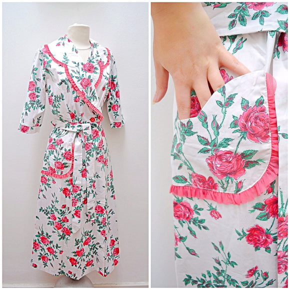 1950s Rose print cotton Etam robe/housecoat with ruffle pocket