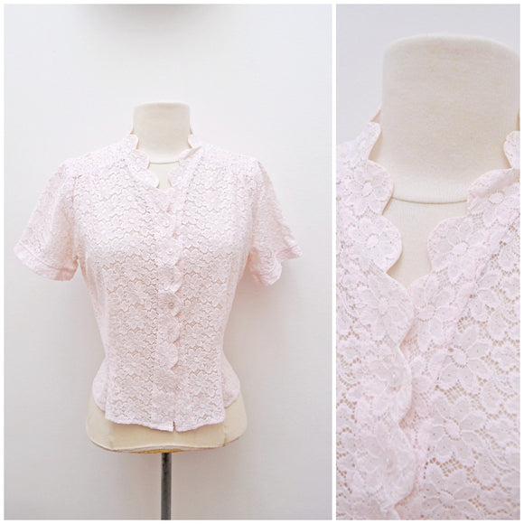 1940s Pale pink lace scalloped neck summer blouse