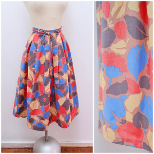 1970s Printed cotton pleated St Michael skirt with tie belt