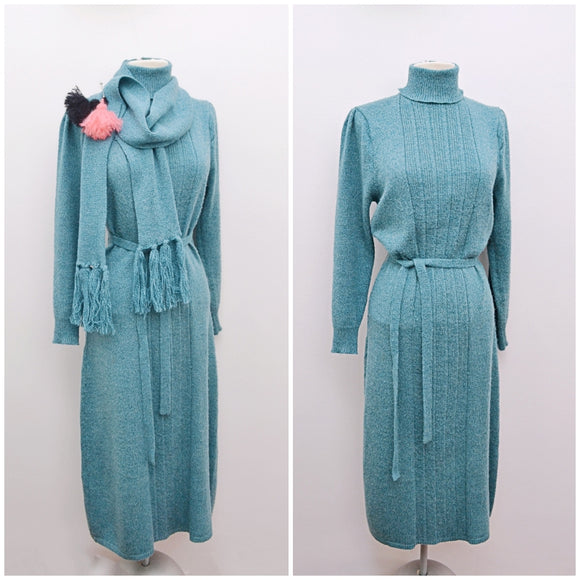 1970s Teal knitted roll neck winter dress with scarf