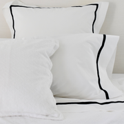 Bed Linen Set: Black with Pillow