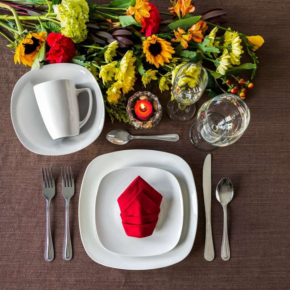 White Dinnerware Collection