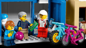 LEGO 60306 CITY SHOPPING STREET AGE 6+