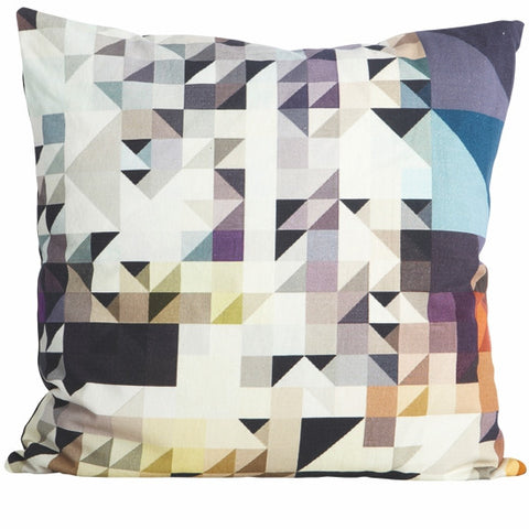 TRIANGLE PILLOW CASE
