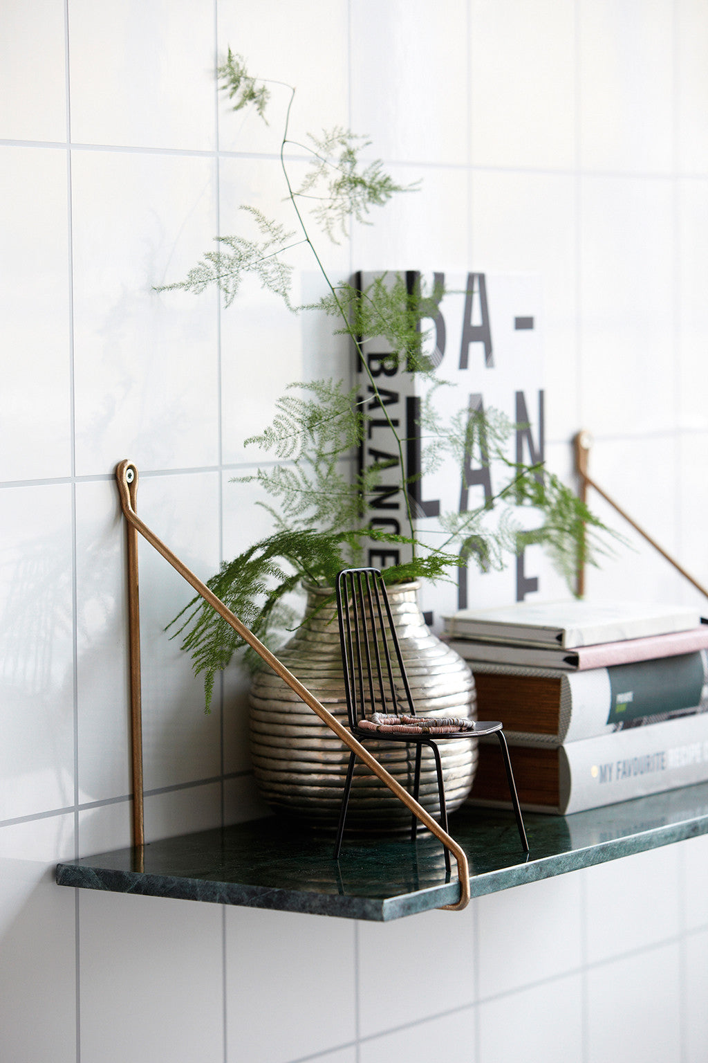 MARBLE GREEN SHELF