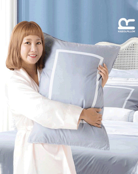 COMING SOON !! Faint Pillow (4740655415374)