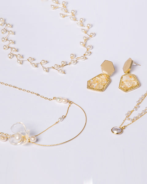 Golden Apple Pearl Necklace