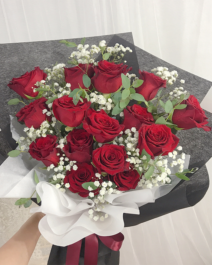 Fresh Red Roses Bouquet (6666519609516)