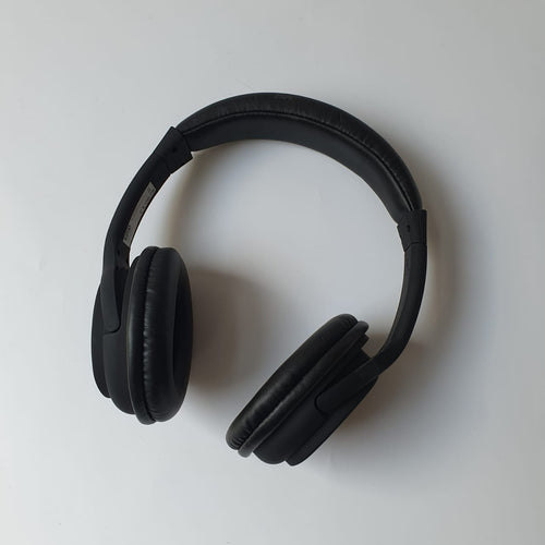 Black bluetooth wireless headphone