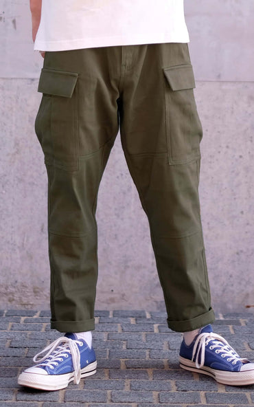 Boysnextdoor Cropped Cargo Chino Pants in Green